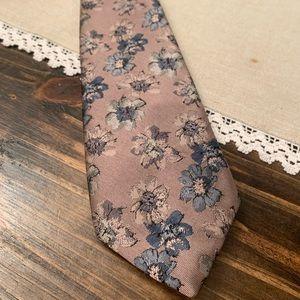 Oscar de le Renta purple floral tie